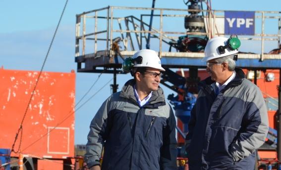 Miguel Galuccio (YPF) y Ali Moshiri (Chevron)