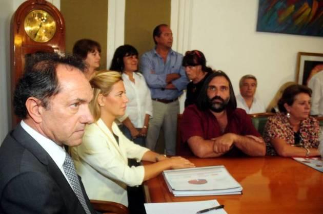 Scioli-negociacion-Baradel-conflicto-DyN_CLAIMA20130327_0169_14
